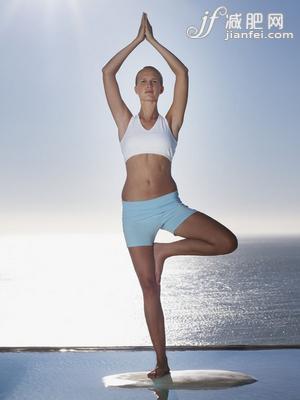 7步瑜伽 甩脂肪塑苗條曲線